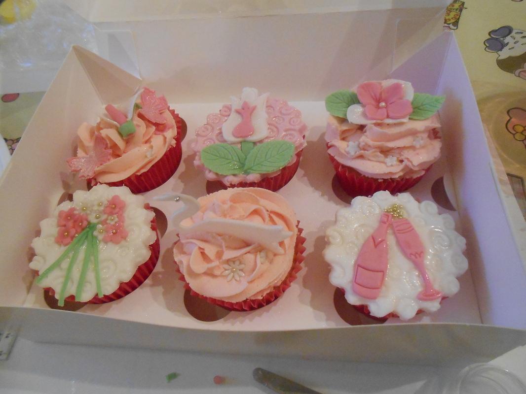 Cake Decorating Course Romford : Pin Birthday Cakes Tracys Custom Cake on Pinterest